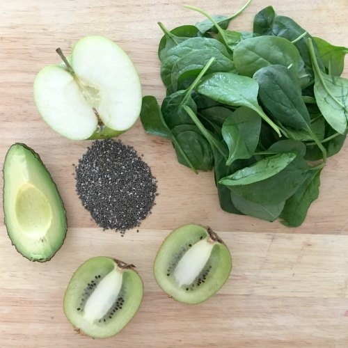 Healthy home made green smoothie ice lolly popsicle ingredients